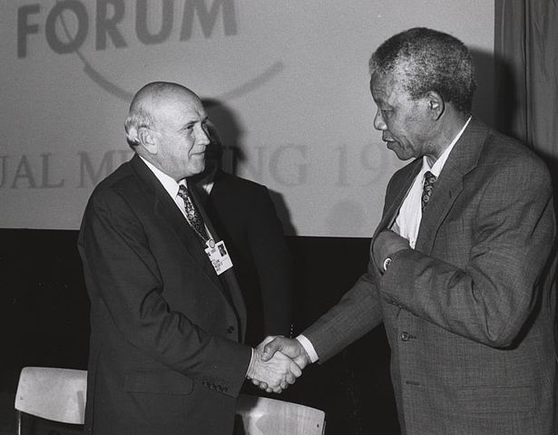 615px-Frederik_de_Klerk_with_Nelson_Mandela_-_World_Economic_Forum_Annual_Meeting_Davos_1992