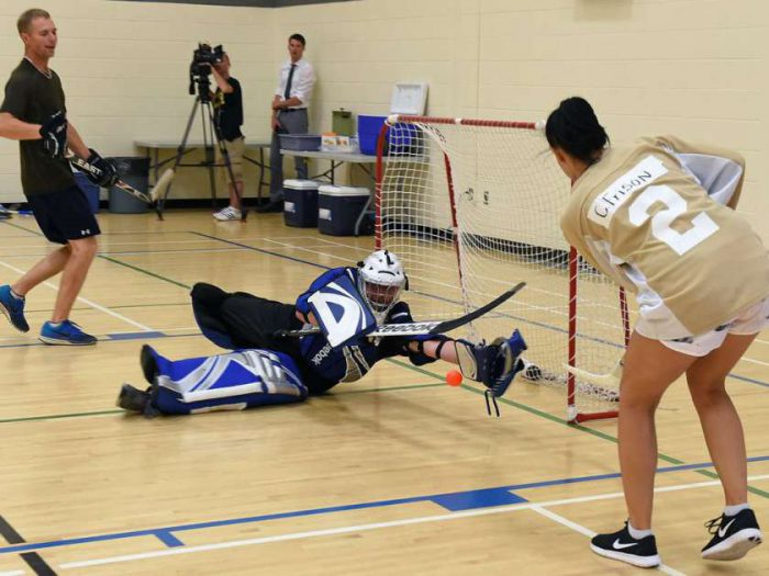 floor-hockey-players