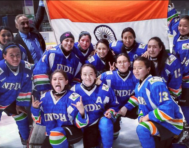 Indian women's hockey team comes to Canada