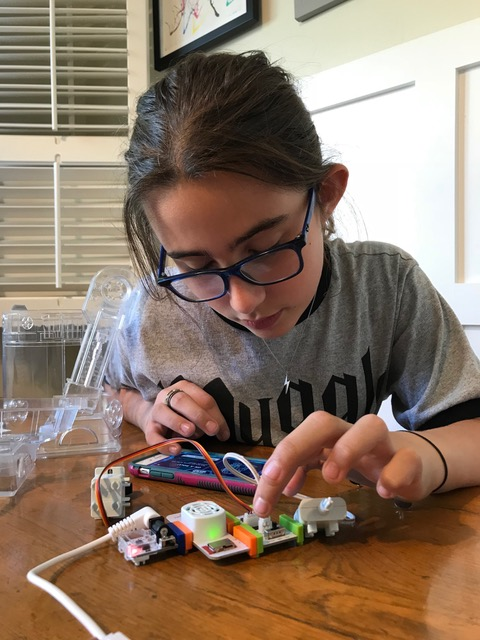 TOY REVIEW + CONTEST: littleBits Droid Inventor kit