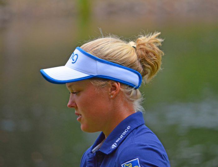 Brooke Henderson ties Canadian pro golf record