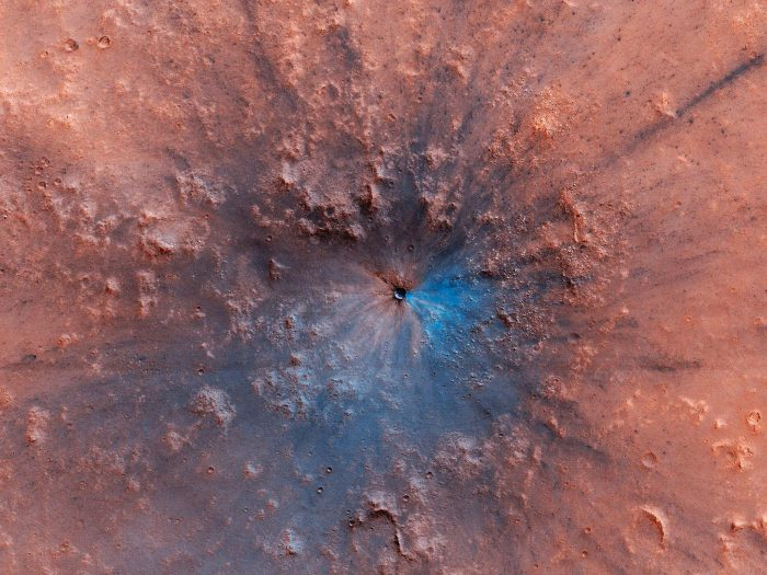 Photo reveals beautiful blue crater on Mars