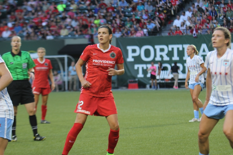 Christine Sinclair tops soccer's international goal scoring list